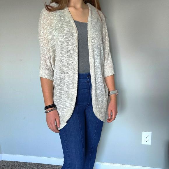 Light knit 1/2 sleeve cardigan